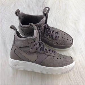 Women's Nike Air Force 1 Ultraforce Mid Sneakers